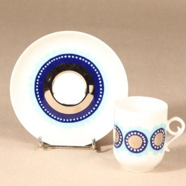 Arabia Tanja kahvikuppi ja lautaset, sininen, 3 kpl, suunnittelija Esteri Tomula, serikuva kuva 3