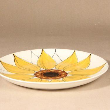 Arabia Aurinkoruusu tarjoiluvati, käsinmaalattu, suunnittelija Hilkka-Liisa Ahola, käsinmaalattu, käsinmaalattu, matala, signeerattu kuva 2