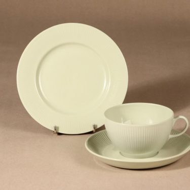 Arabia Sointu tea cup, saucer and plate, light green, Kaj Franck,