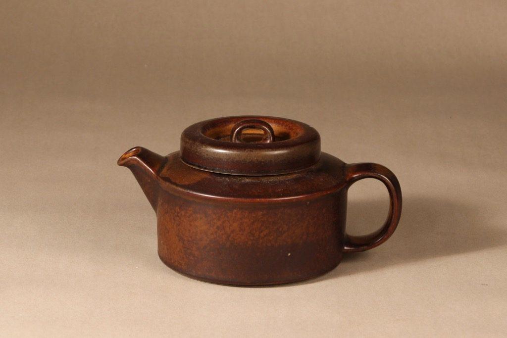 Arabia Ruska teekaadin, 1.35 l, suunnittelija Ulla Procope, 1.35 l, ruskea lasite