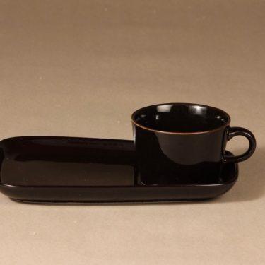 Arabia Kilta kahvikuppi ja erikoislautanen, musta, suunnittelija Kaj Franck,