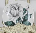 Arabia Rosa elida koristelautanen, suunnittelija Esteri Tomula