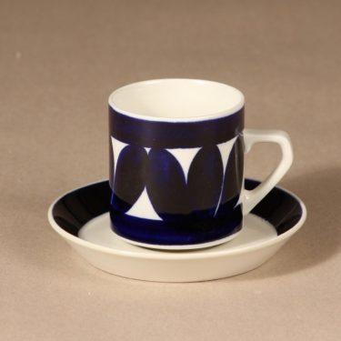 Arabia Sotka kahvikuppi, 15 cl, suunnittelija Raija Uosikkinen, 15 cl, käsinmaalattu