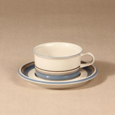 Arabia Uhtua teekuppi, suunnittelija Inkeri Leivo, raitakoriste