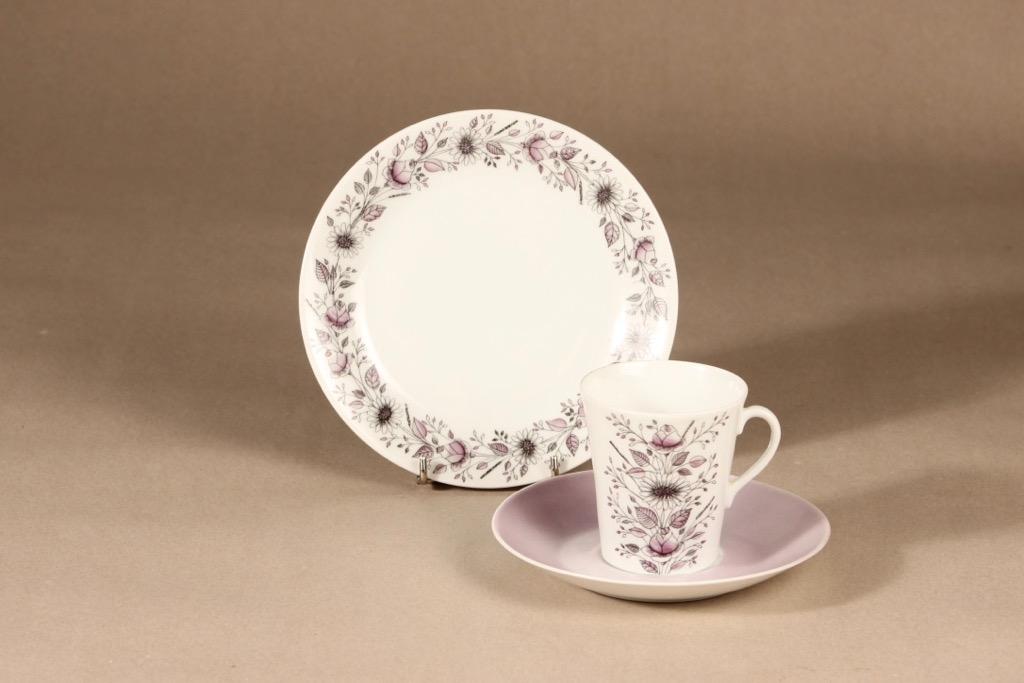 Arabia Tea kahvikuppi ja lautaset, käsinmaalattu, suunnittelija Esteri Tomula, käsinmaalattu, käsinmaalattu, signeerattu