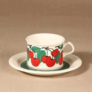 Arabia Kirsikka teekuppi, punainen, suunnittelija Inkeri Seppälä, serikuva