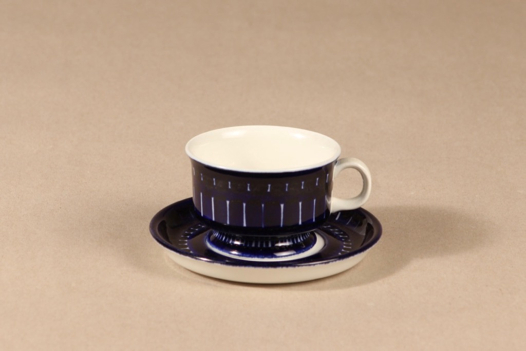 Arabia Valencia mocha cup, hand-painted, Ulla Procope,