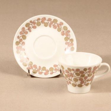 Arabia Marjatta kahvikuppi ja lautaset, 3 osaa, suunnittelija Raija Uosikkinen, 3 osaa, serikuva kuva 3