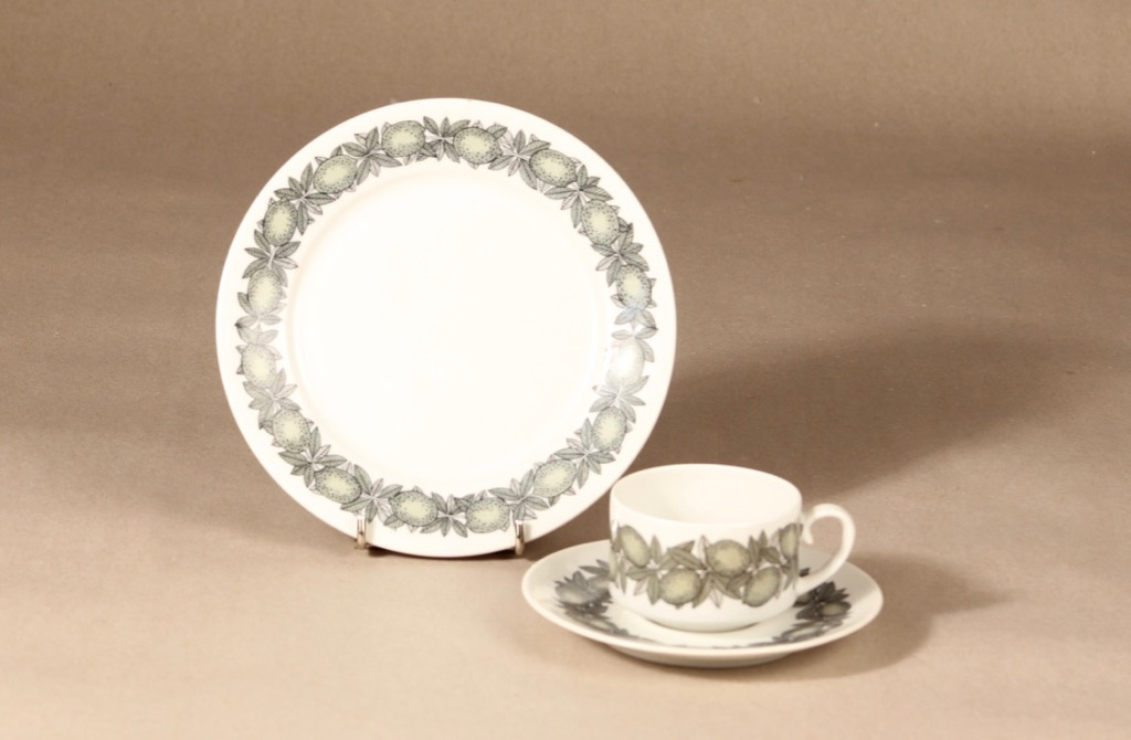 Arabia Citrus coffee cup, saucer and plate, green, Richard Lindh