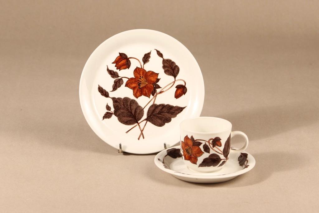 Arabia Cafe kahvikuppi ja lautaset, 3 osaa, suunnittelija Gunvor Olin-Grönqvist, 3 osaa, serikuva