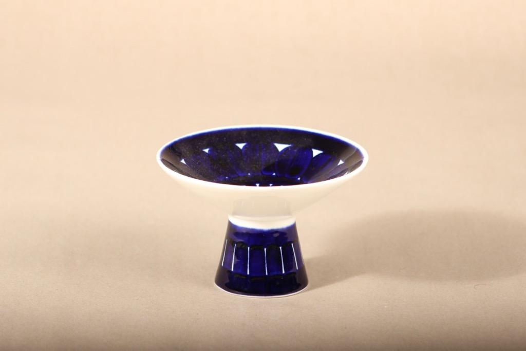 Arabia Valencia kynttilänjalka, käsinmaalattu, suunnittelija Ulla Procope, käsinmaalattu, käsinmaalattu, signeerattu