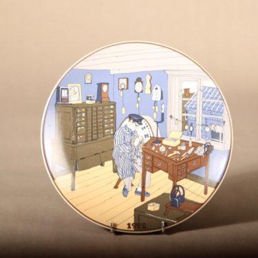 Arabia kelloseppä seinälautanen, serikuva, suunnittelija , serikuva, serikuva