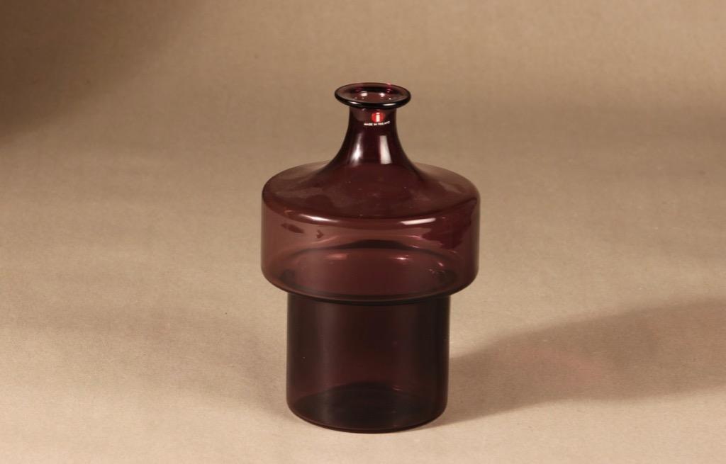 Iittala 2509 pullo, pinottava, suunnittelija Timo Sarpaneva, pinottava