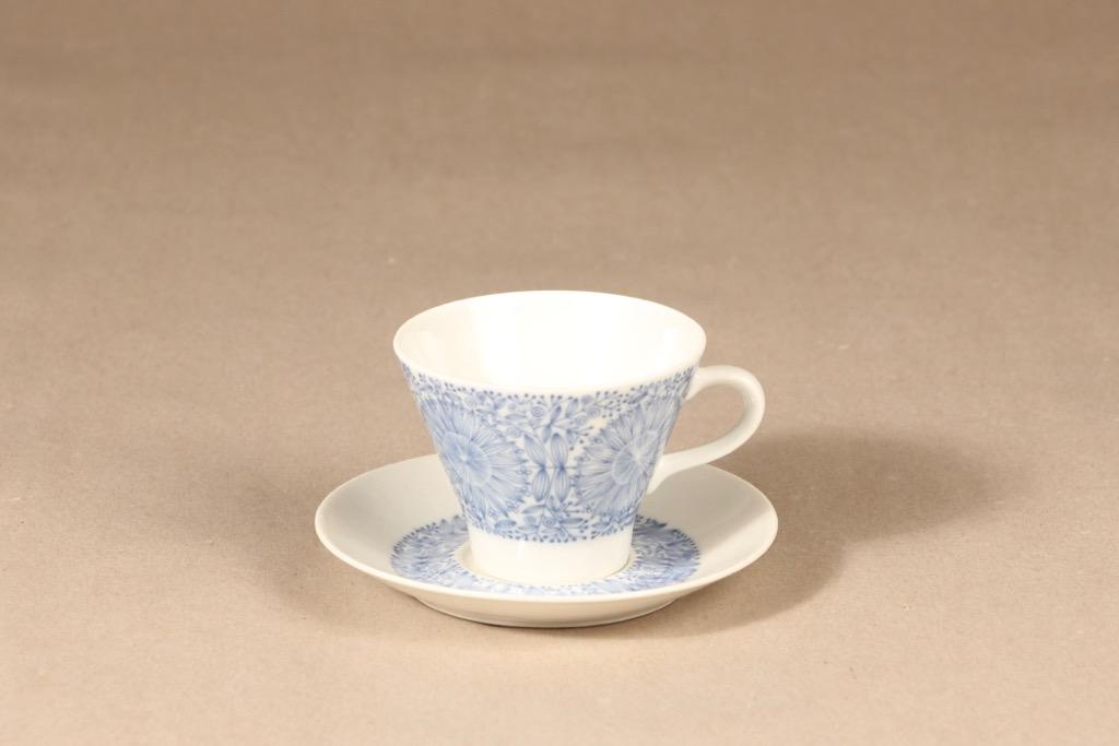 Arabia Filigran kahvikuppi, suunnittelija Raija Uosikkinen