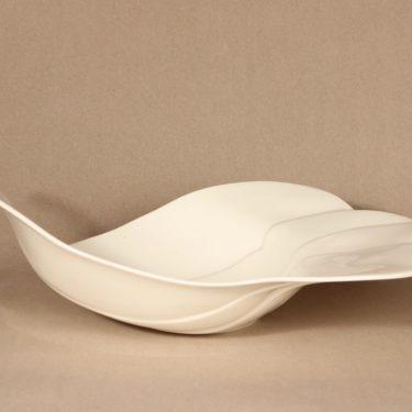 Arabia Pro Art tarjoilumalja, Lintu-malja, suunnittelija Heljä Liukko-Sundström, Lintu-malja, pro art, lintu, lintumalja kuva 3