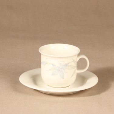 Arabia Sinikello kahvikuppi ja lautaset, sininen, suunnittelija Esteri Tomula, serikuva, kukka-aihe kuva 2