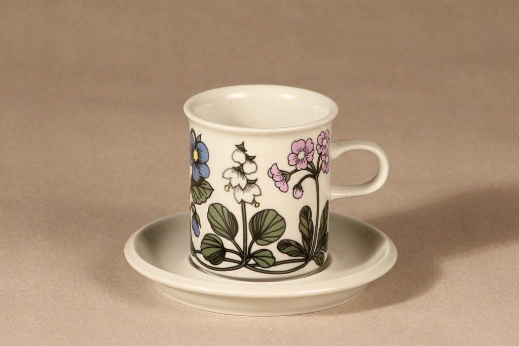 Arabia Flora coffee cup design Esteri Tomula