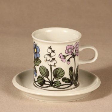 Arabia Flora kahvikuppi, suunnittelija Esteri Tomula, kukkakuvio