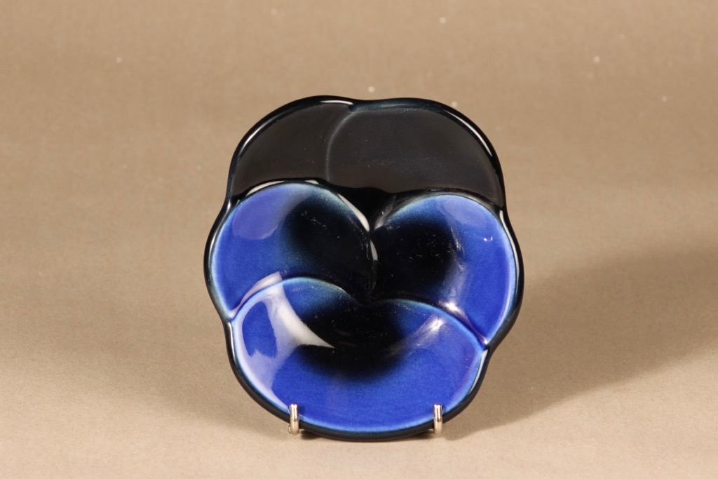 Arabia Viola decorative plate design Birger Kaipiainen