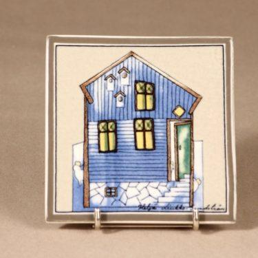 Arabia Sininen onnen talo, seinälaatta, suunnittelija Heljä Liukko-Sundström, seinälaatta, serikuva, pieni