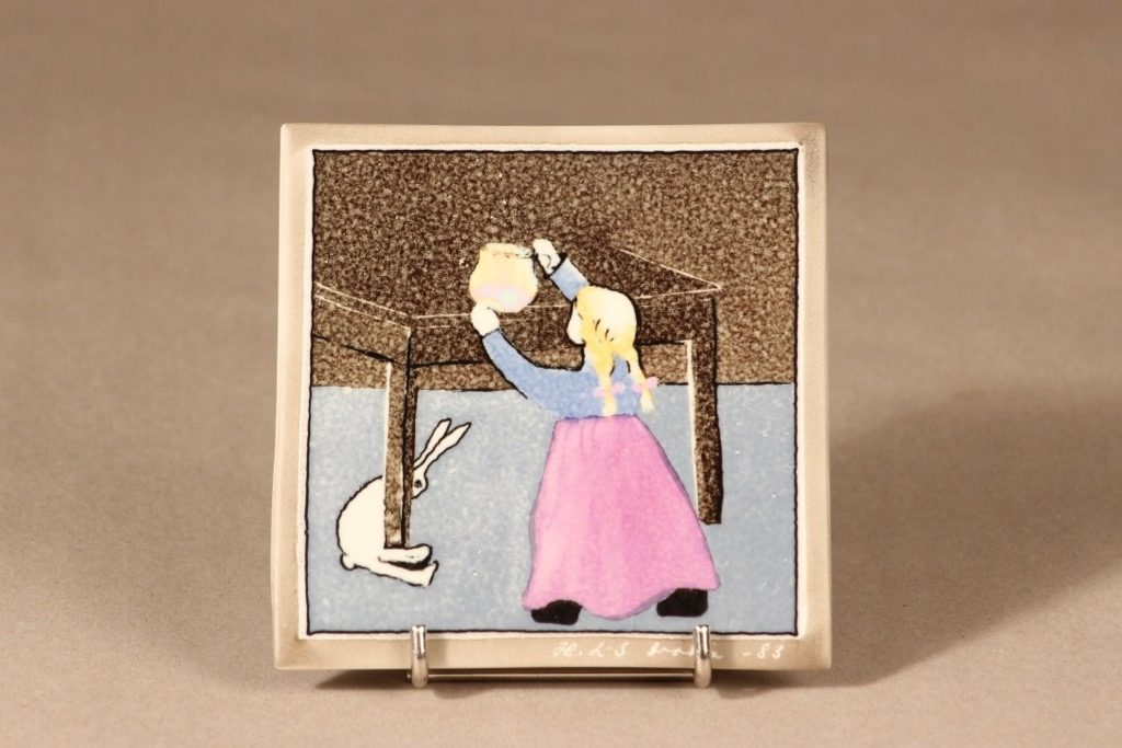 Arabia wall plate Small girl and a rabbit design Heljä Liukko-Sundström