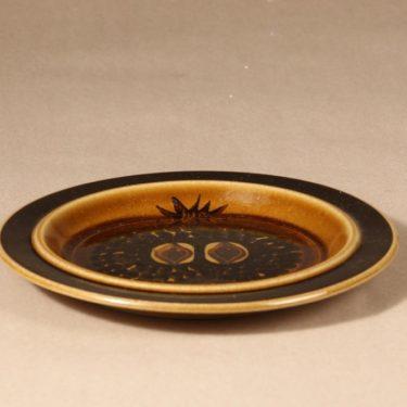 Arabia Fructus lautanen, käsinmaalattu, suunnittelija Gunvor Olin-Grönqvist, käsinmaalattu, signeerattu, käsinmaalattu, pieni