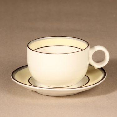 Arabia Veranda kahvikuppi, suunnittelija Inkeri Leivo, raitakoriste