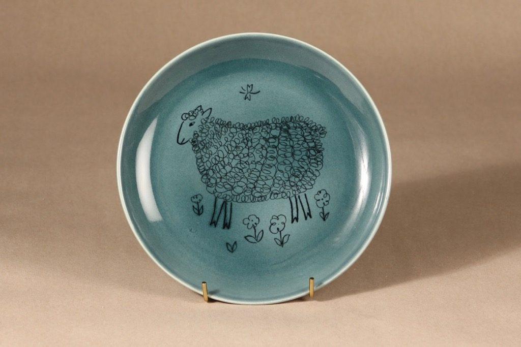 Arabia AR lautanen, käsinmaalattu, suunnittelija Gunvor Olin-Grönqvist, käsinmaalattu, lammas-aihe, käsinmaalattu