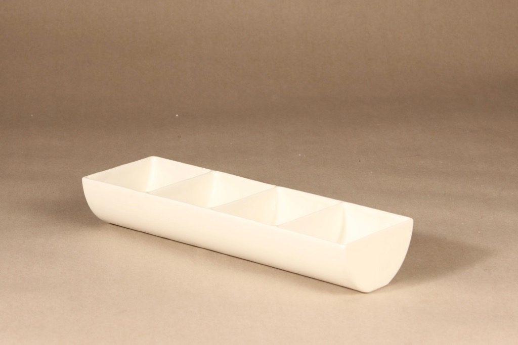 Arabia Pro Arte tray wadding, Globus I designer Kristiina Riska