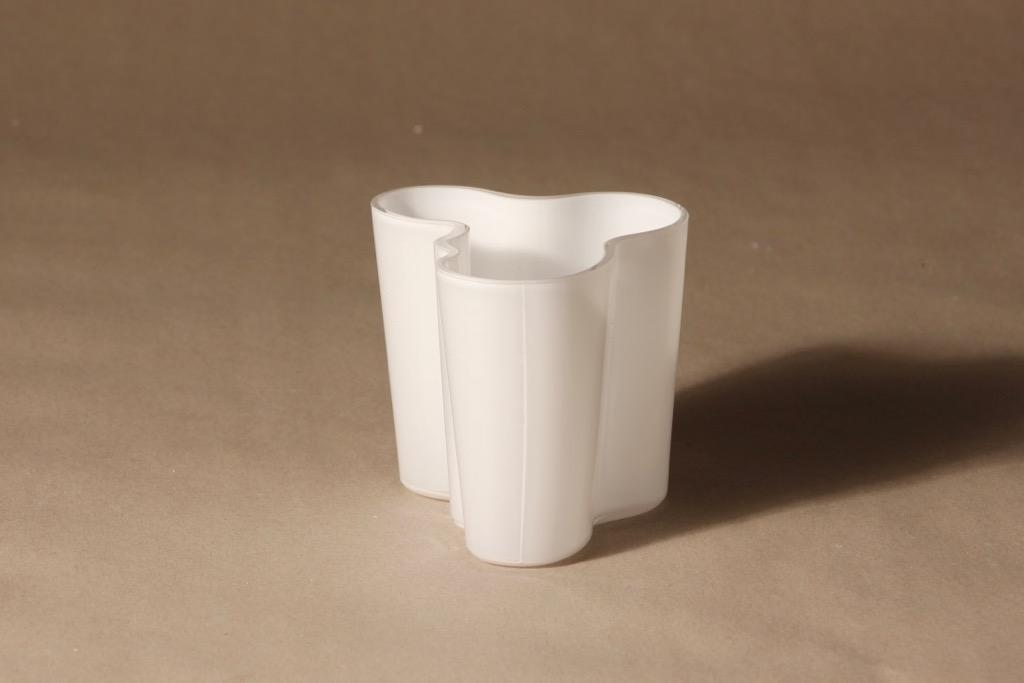 Iittala Aalto vase, white, designer Alvar Aalto, machine signed