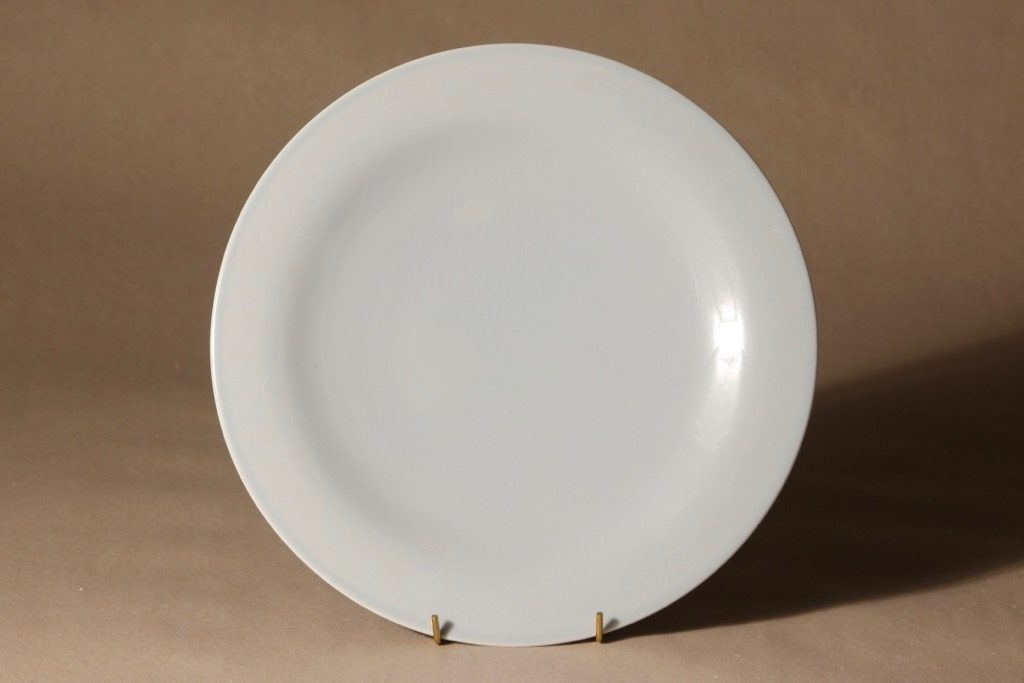 Arabia Oma lautanen, matala, suunnittelija Harri Koskinen, matala