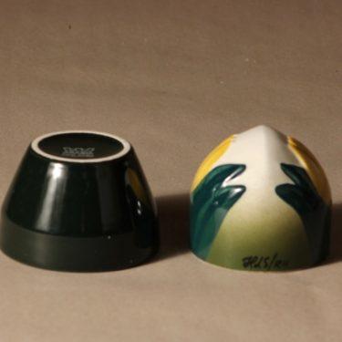 Arabia ikikukka, tulppaani, suunnittelija Heljä Liukko-Sundström, tulppaani, Kukka-aihe, käsinmaalattu, signeerattu kuva 2