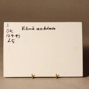 Arabia seinälaatta, Vihreä asetelma, suunnittelija Helene Schjerfbeck, Vihreä asetelma, koevedos kuva 2