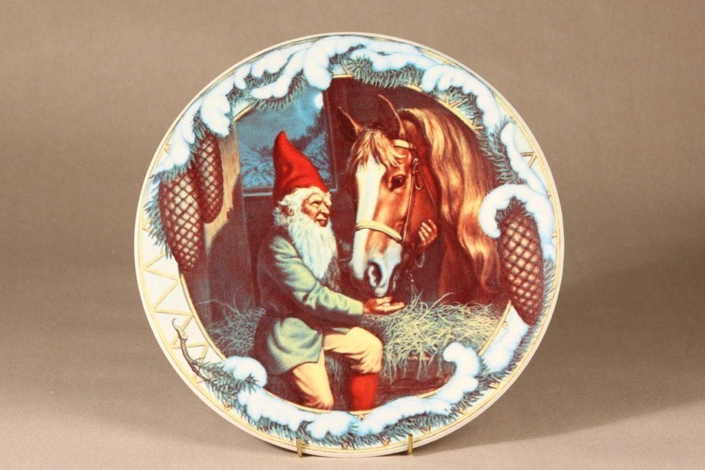 Arabia seinälautanen, Tonttu ja hevonen, suunnittelija Anders Olsson, Tonttu ja hevonen, serikuva, tonttu-aihe, suuri