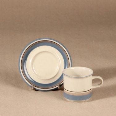 Arabia Uhtua kahvikuppi ja lautaset, 3 osaa, 6 kpl, suunnittelija Inkeri Leivo, 3 osaa, raitakoriste kuva 3