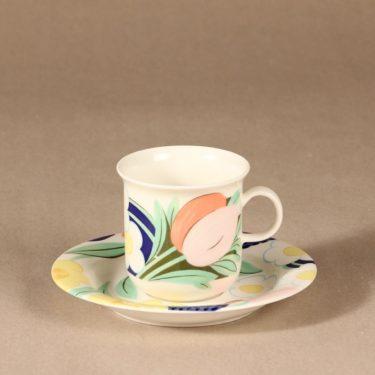 Arabia Poetica kahvikuppi, suunnittelija Dorrit von Fieandt, serikuva
