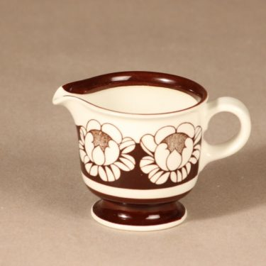 Arabia Katrilli kermakko, ruskea, suunnittelija Esteri Tomula, serikuva
