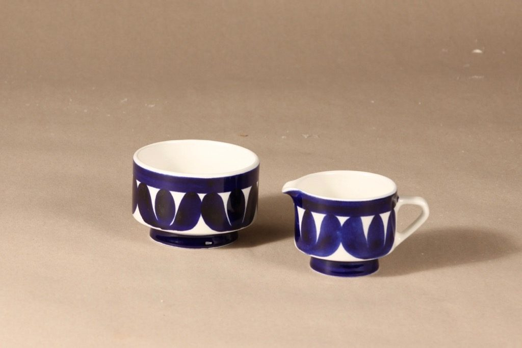 Arabia Sotka sugar bowl and creamer designer Raija Uosikkinen