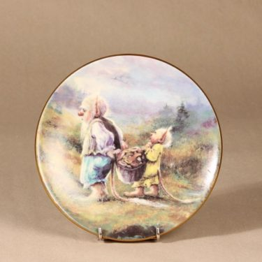 Arabia Little troll year wall plate, Autumn designer Sussi Anna Åberg