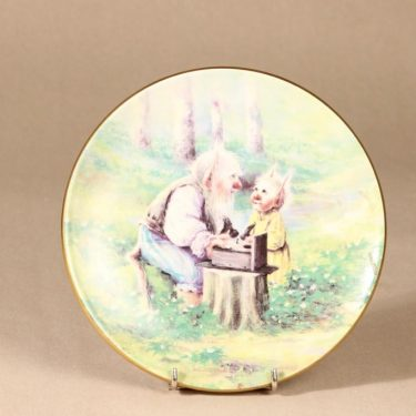 Arabia Little troll year wall plate, Spring designer Sussi Anna Åberg