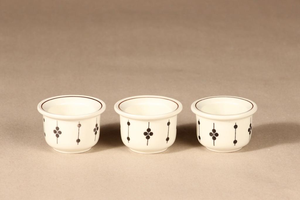 Arabia Kartano munakuppi, 3 kpl, 3 kpl, suunnittelija Esteri Tomula, 3 kpl, serikuva, päällemaalattu