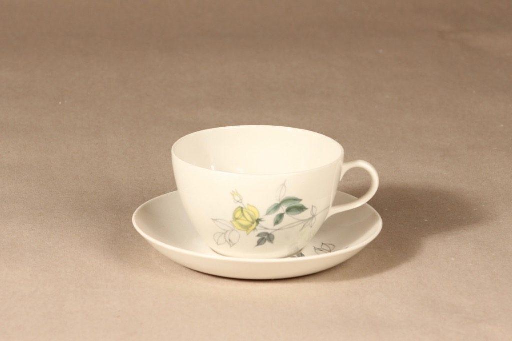 Arabia Julia kahvikuppi, käsinmaalattu, suunnittelija Hilkka-Liisa Ahola, käsinmaalattu, Kukka-aihe, käsinmaalattu
