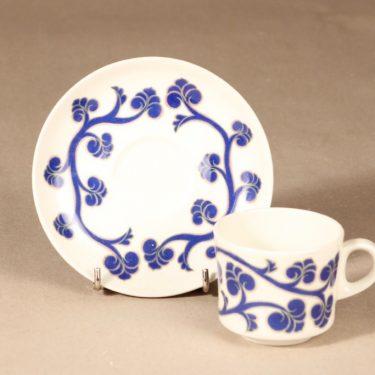 Arabia Lyydia kahvikuppi ja lautanen, sininen, suunnittelija Laila Hakala, serikuva, retro kuva 3