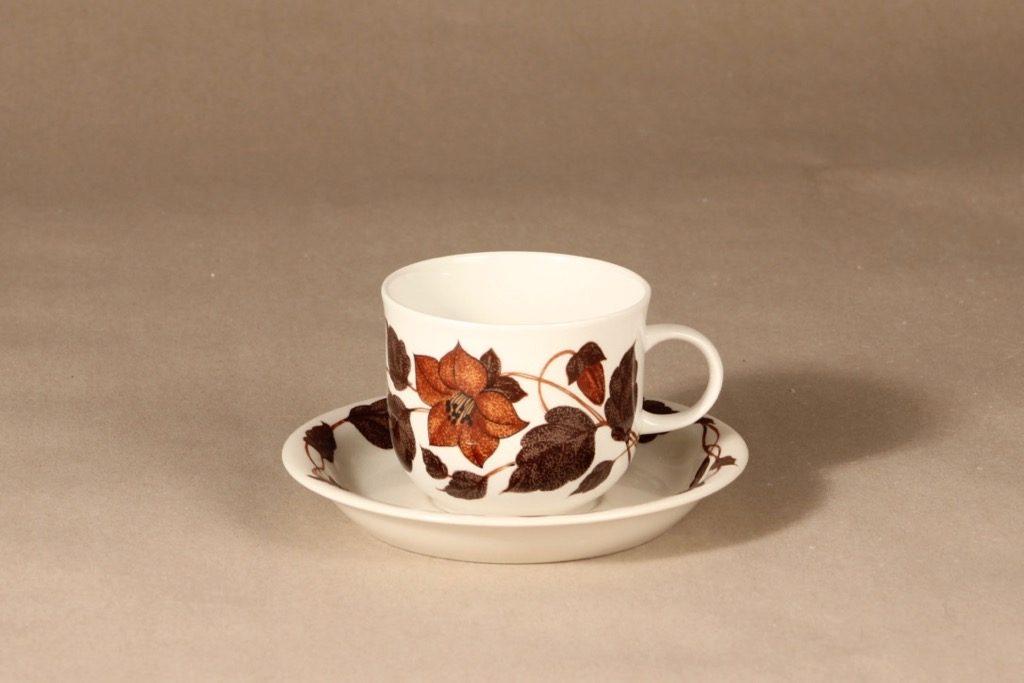 Arabia Tea for Two teekuppi, ruskea, suunnittelija Gunvor Olin-Grönqvist, serikuva