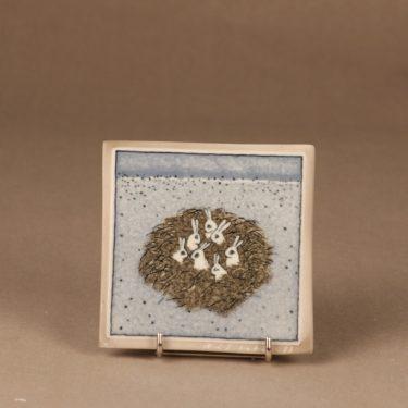 Arabia wall plate Rabbit nest designer Heljä Liukko-Sundström