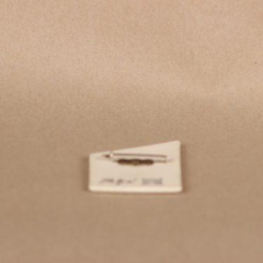Arabia brooch, Matkalla, designer Heljä Liukko-Sundström, signed, silk screening, 2