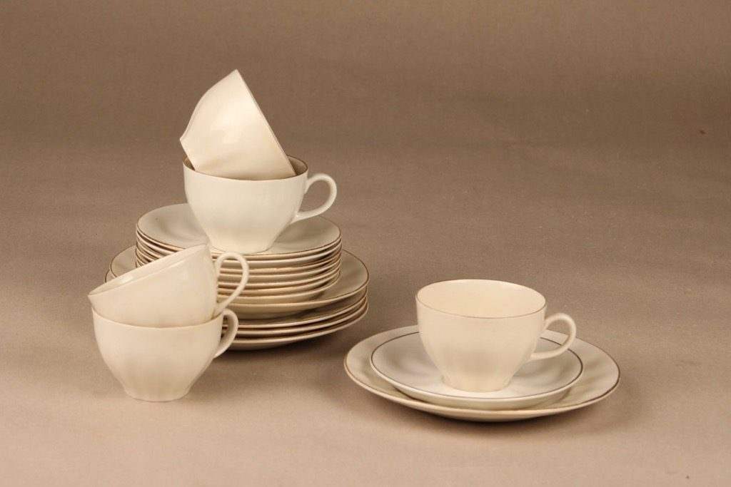 Arabia OZ coffee cup and plates, 5 pcs designer Kaj Franck