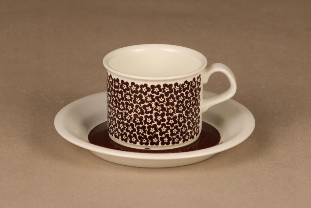 Arabia Faenza kukka kahvikuppi, ruskeakukka, suunnittelija Inkeri Seppälä, ruskeakukka, kukka, serikuva