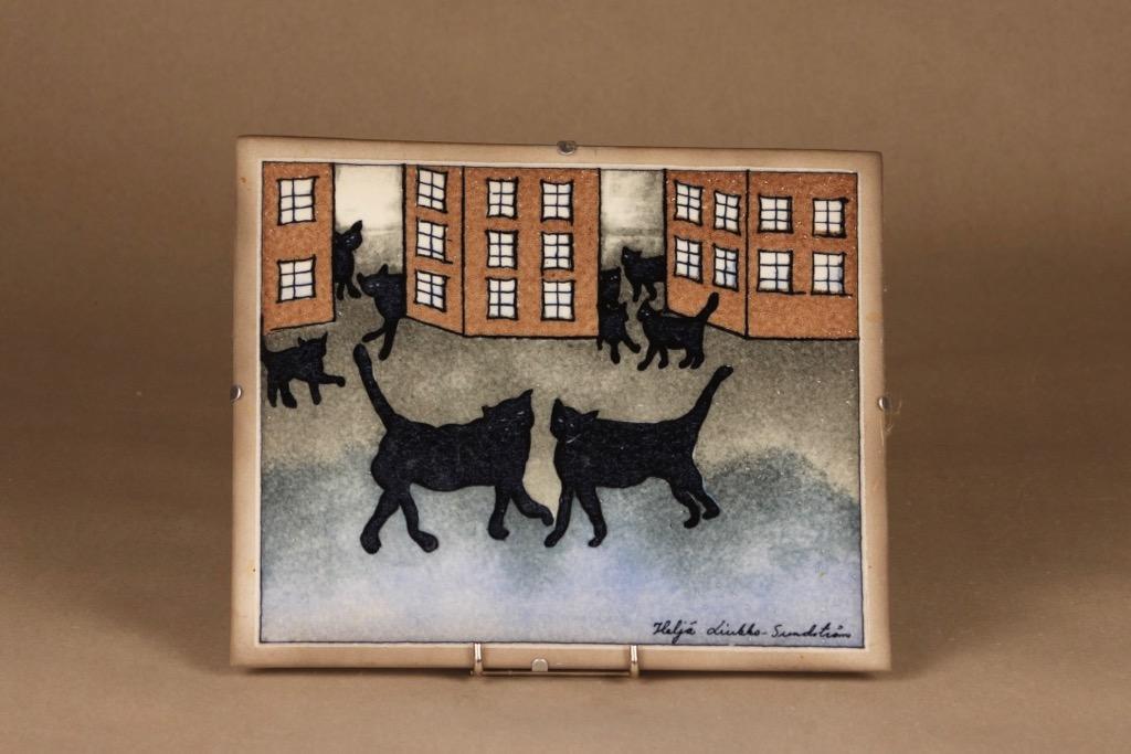 Arabia seinätaulu, Kissojen kylä, suunnittelija Heljä Liukko-Sundström, Kissojen kylä, Kissa-aihe