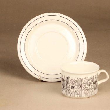 Arabia Krokus teekuppi, mustavalkoinen, suunnittelija Esteri Tomula, serikuva, kukka-aihe kuva 2
